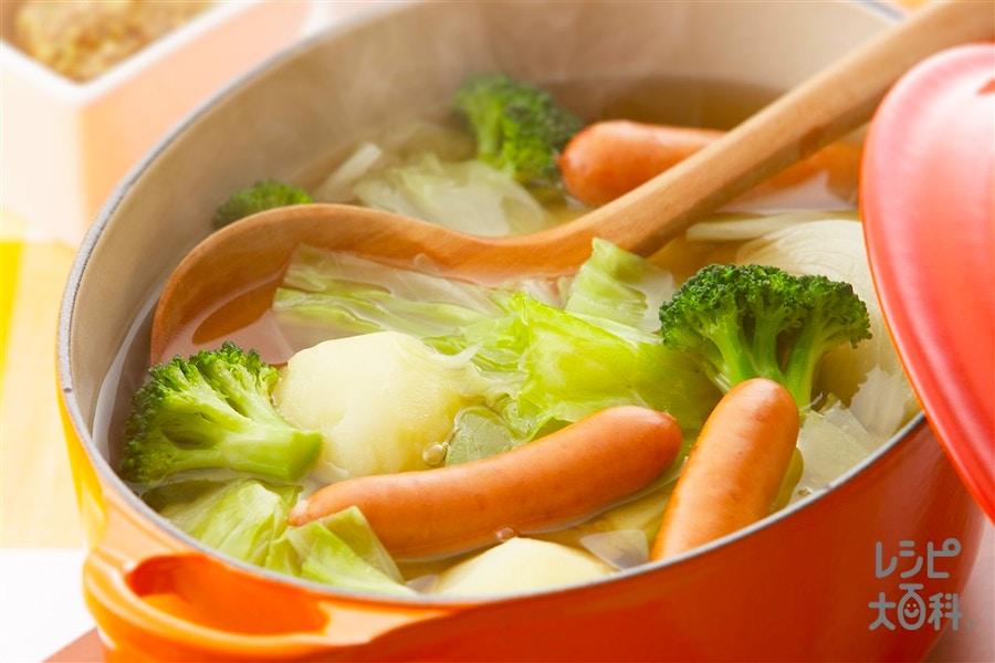 ソーセージとざく切り野菜のポトフ