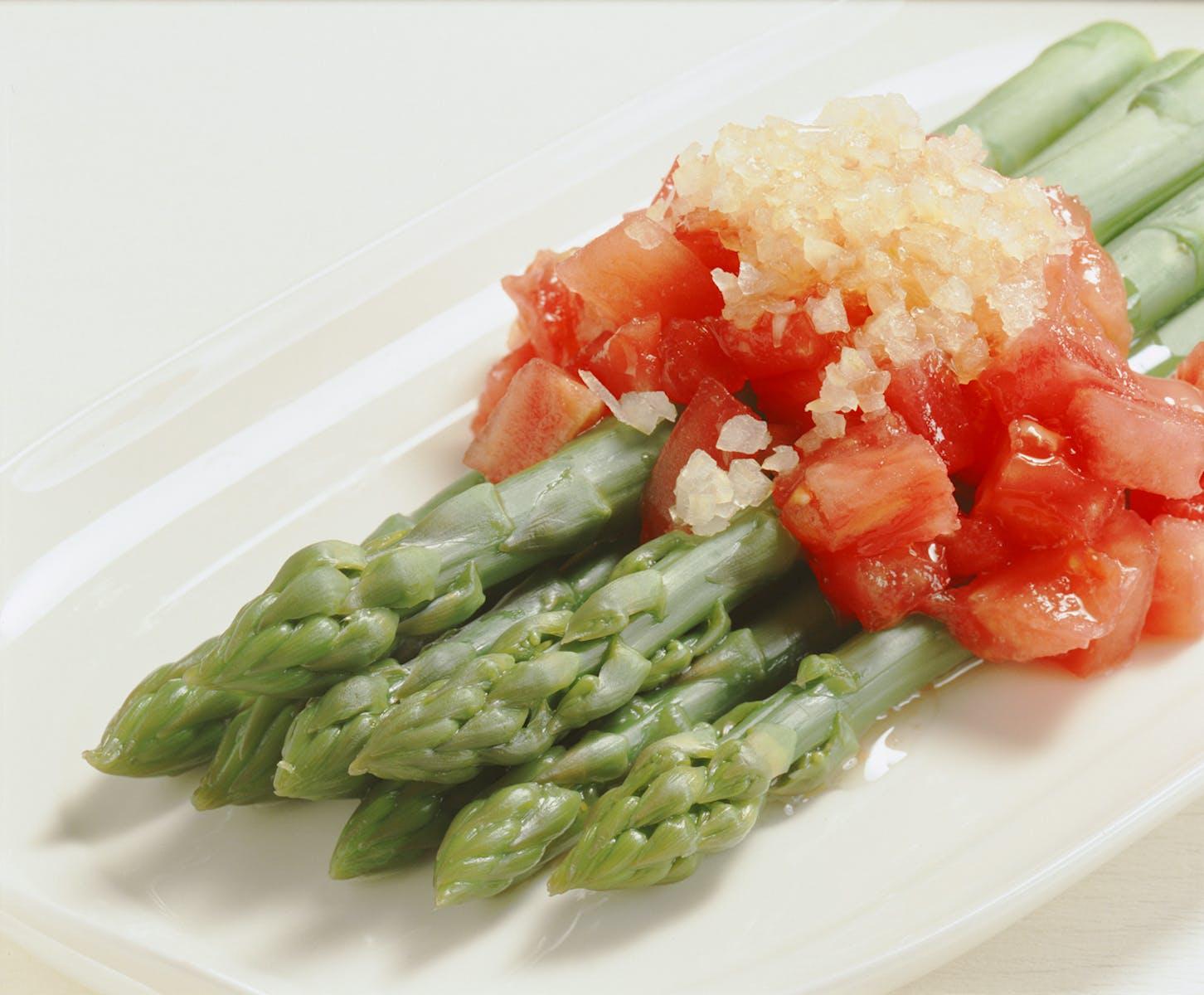 アスパラガスのサラダ