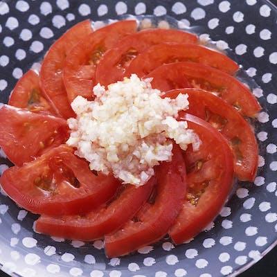 トマトの冷製サラダ