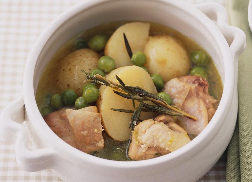 とり肉と新じゃがのスープ煮