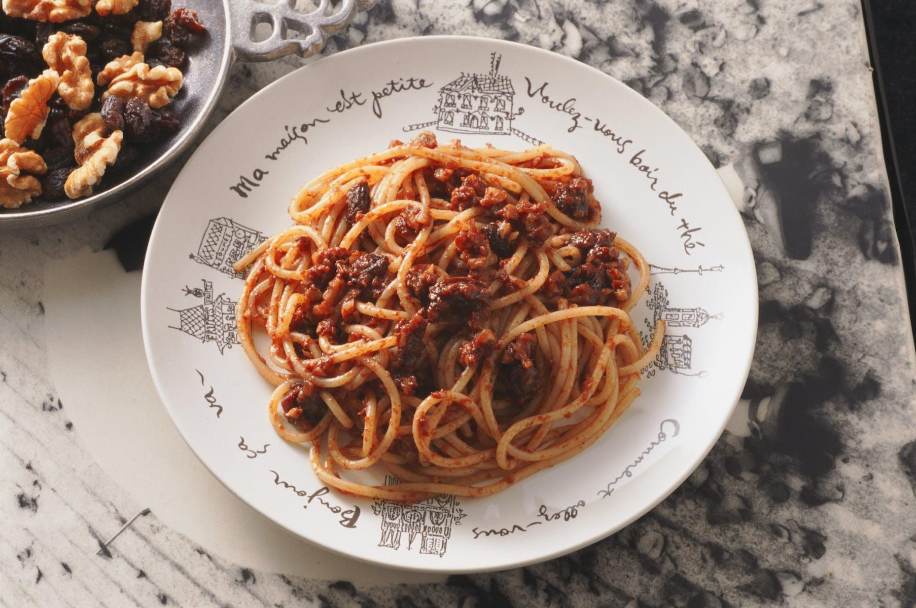 くるみとレーズンのスパゲティ