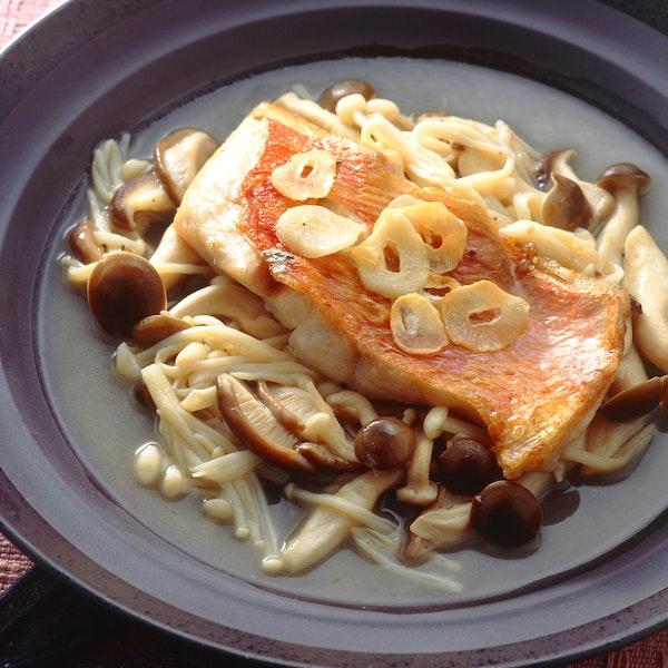 白身魚のきのこソース