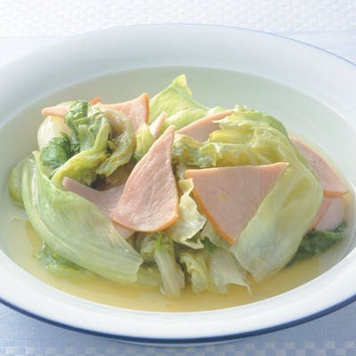 レタスとハムのスープ煮