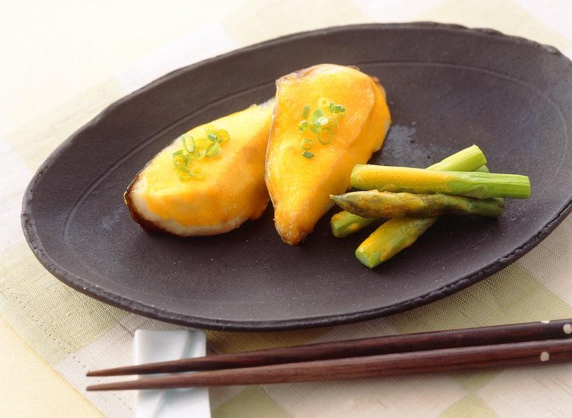 白身魚の黄身あん焼き