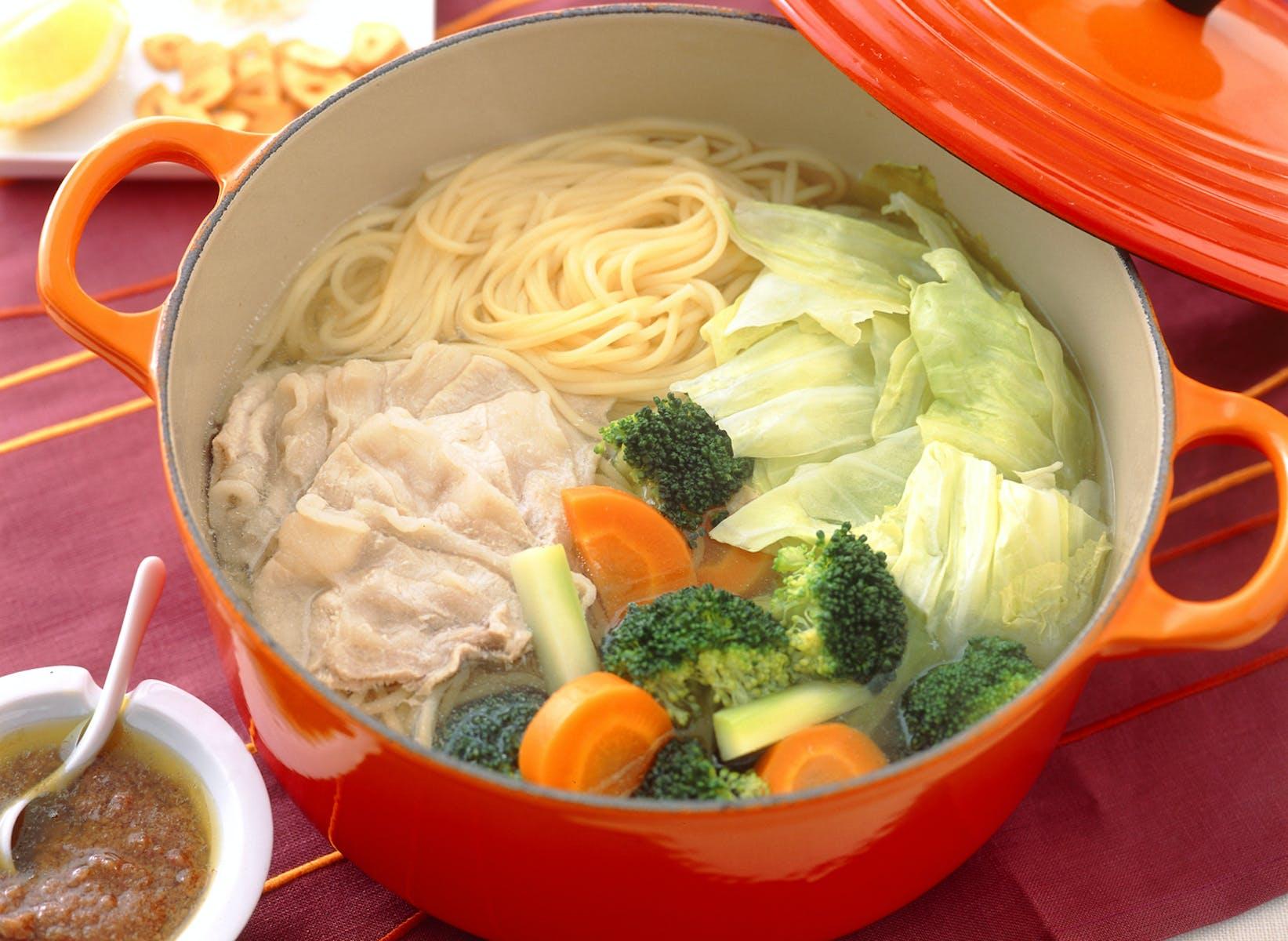 鍋仕立てのスープスパゲティ