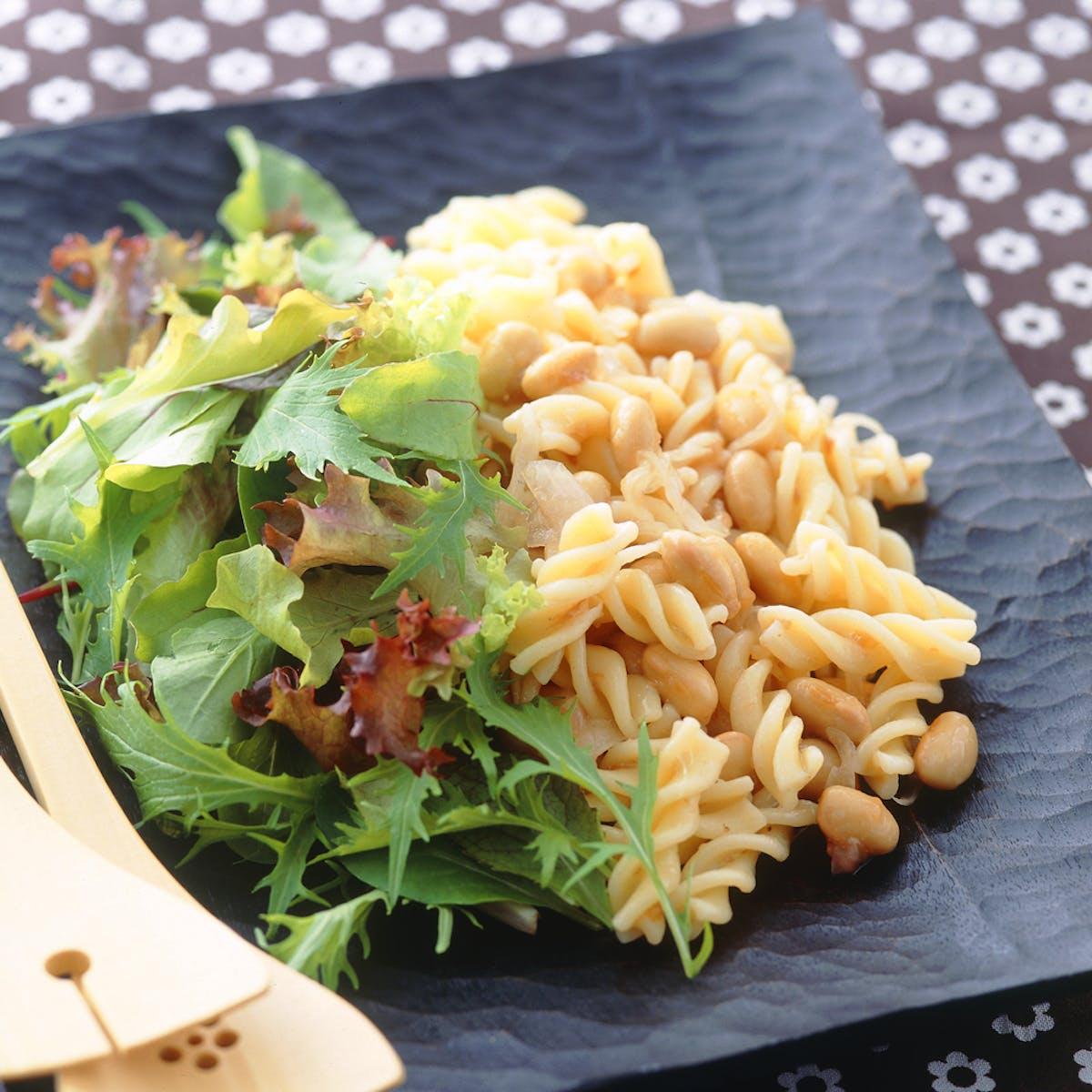 パスタと大豆の梅風味サラダ
