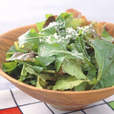 ルッコラとレタスのサラダ