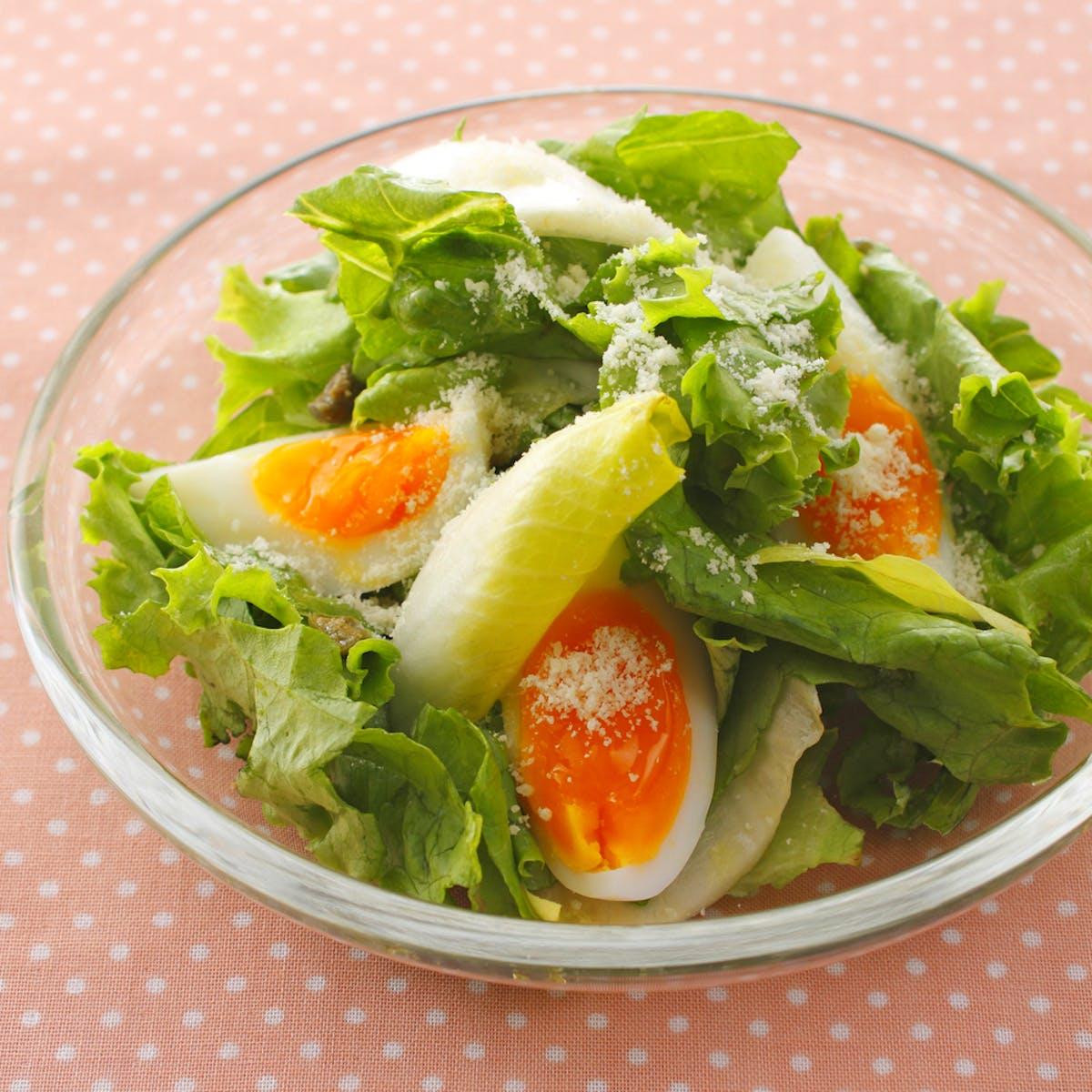 卵とチーズのサラダ