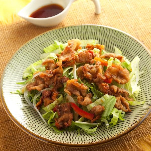 豚のカリカリ米粉揚げサラダ