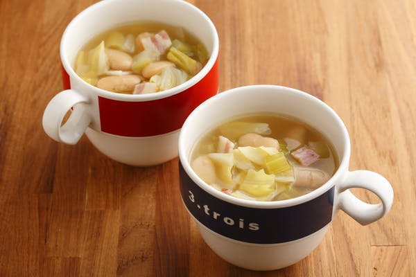 野菜と豆のスープ
