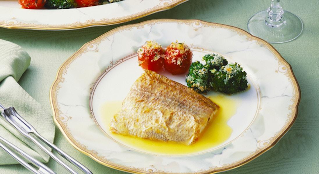 白身魚のローストソース添え