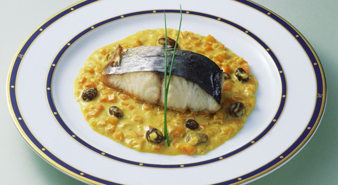 白身魚のカレーソース