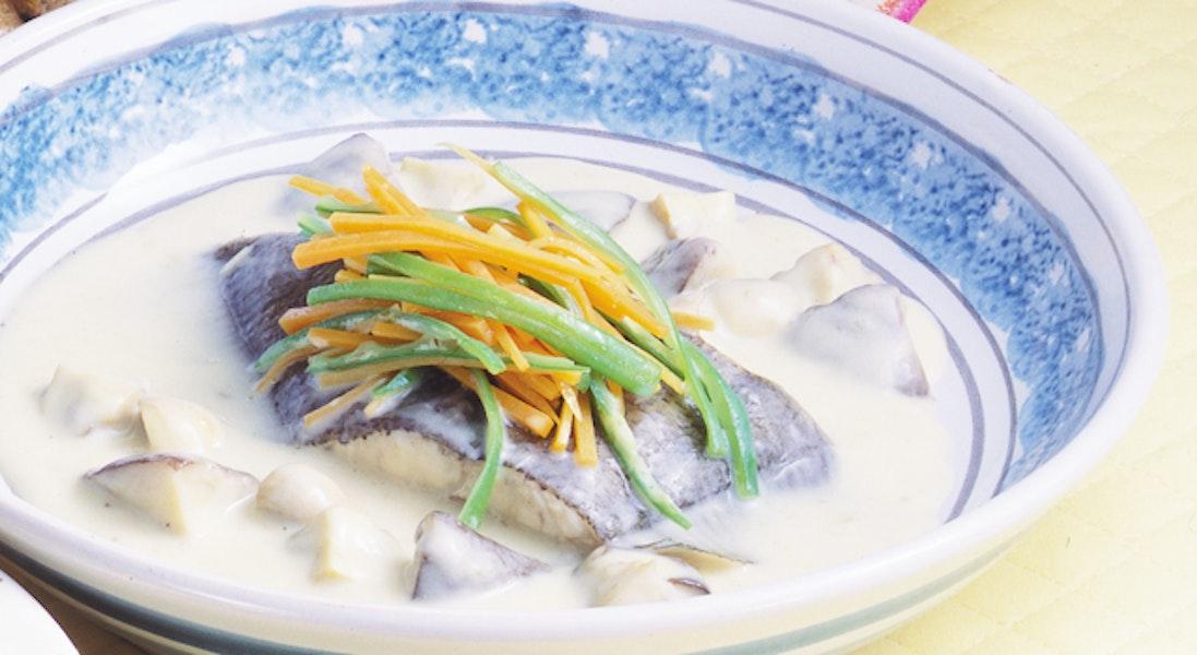 白身魚ときのこの白ワイン煮