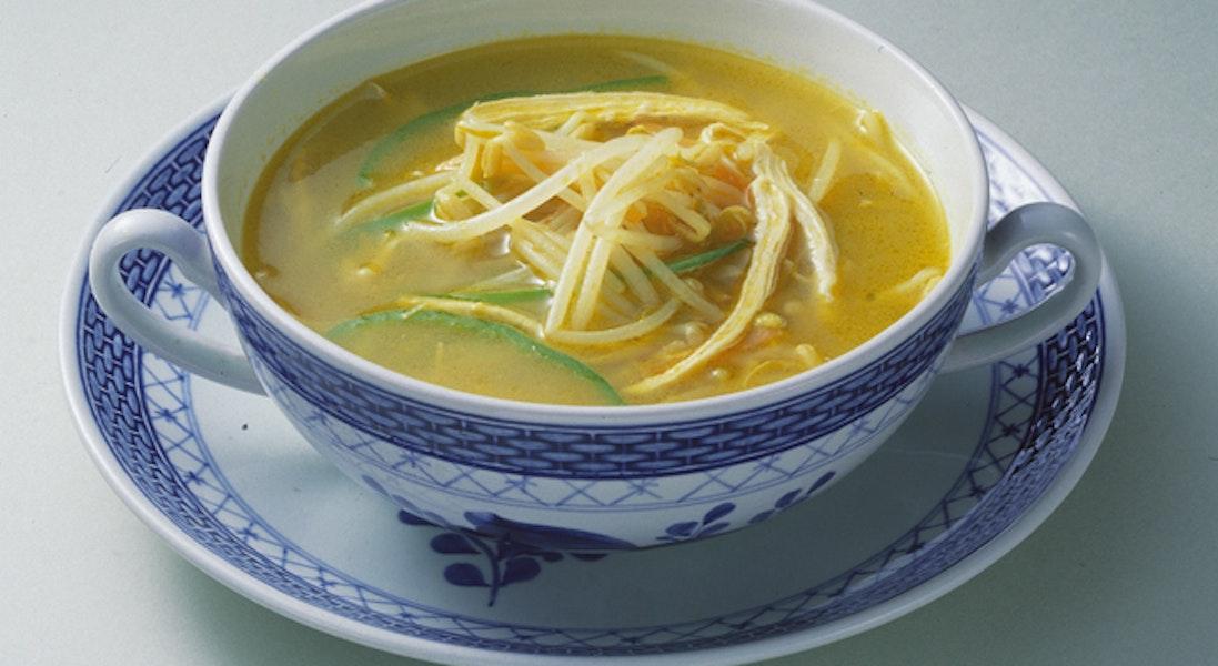 もやしと鶏肉のカレースープ