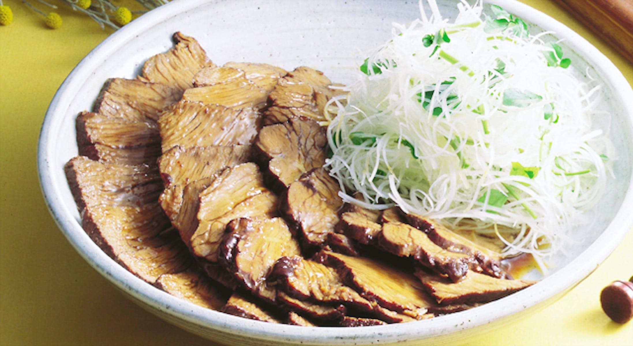 牛肉の赤ワイン煮和風仕立て