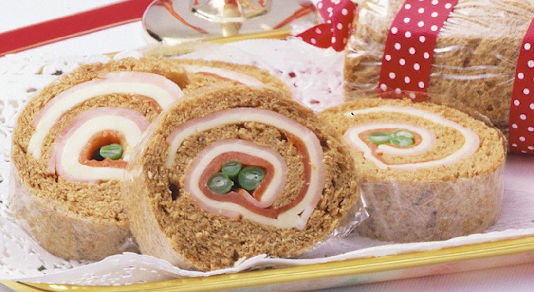 ロールケーキ風サンドイッチ