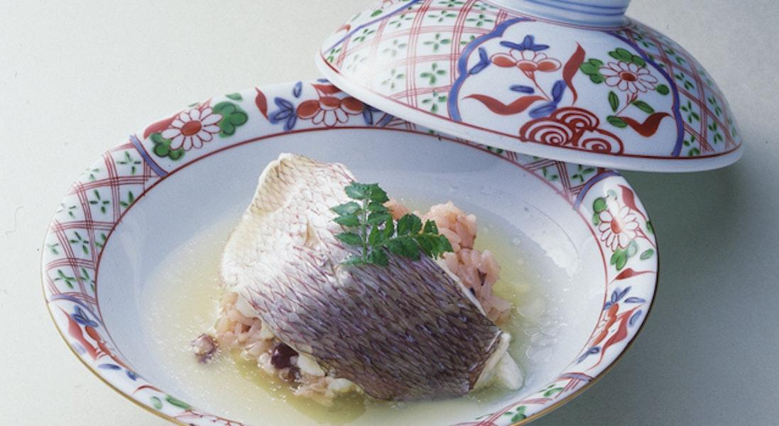 鯛の赤飯包み蒸し