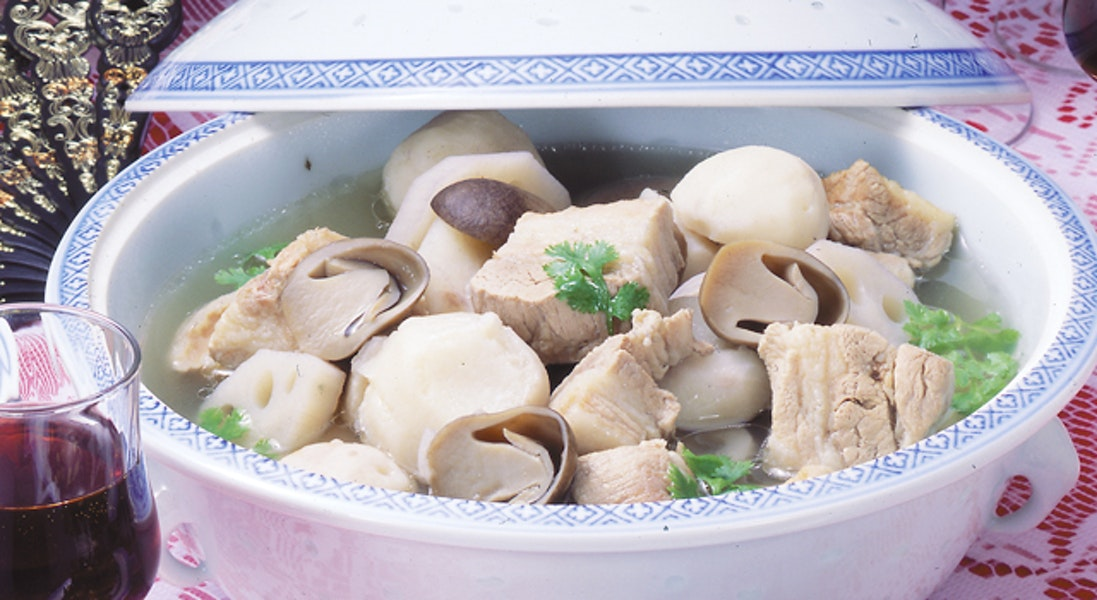 豚バラ肉と里いものスープ煮