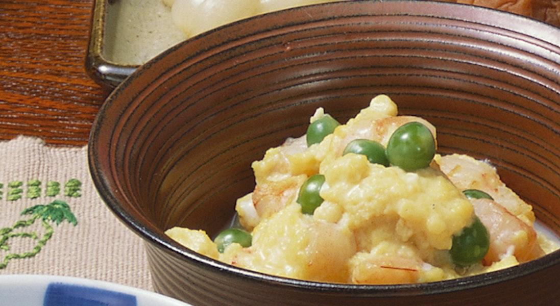 えんどうとえびの卵とじ