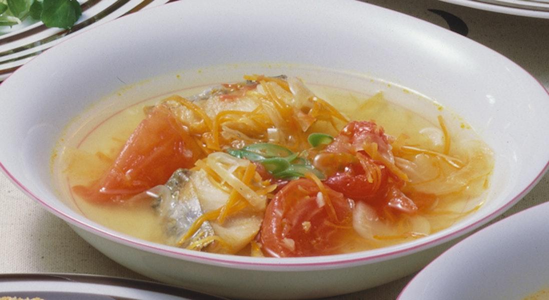 白身魚のトマトスープ