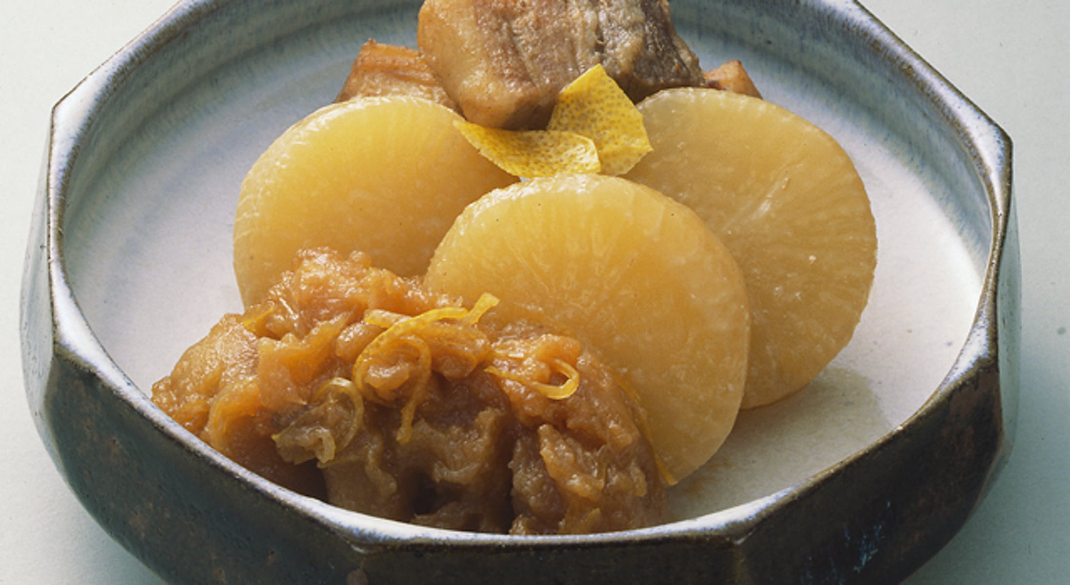 大根と豚肉とりんごの煮物