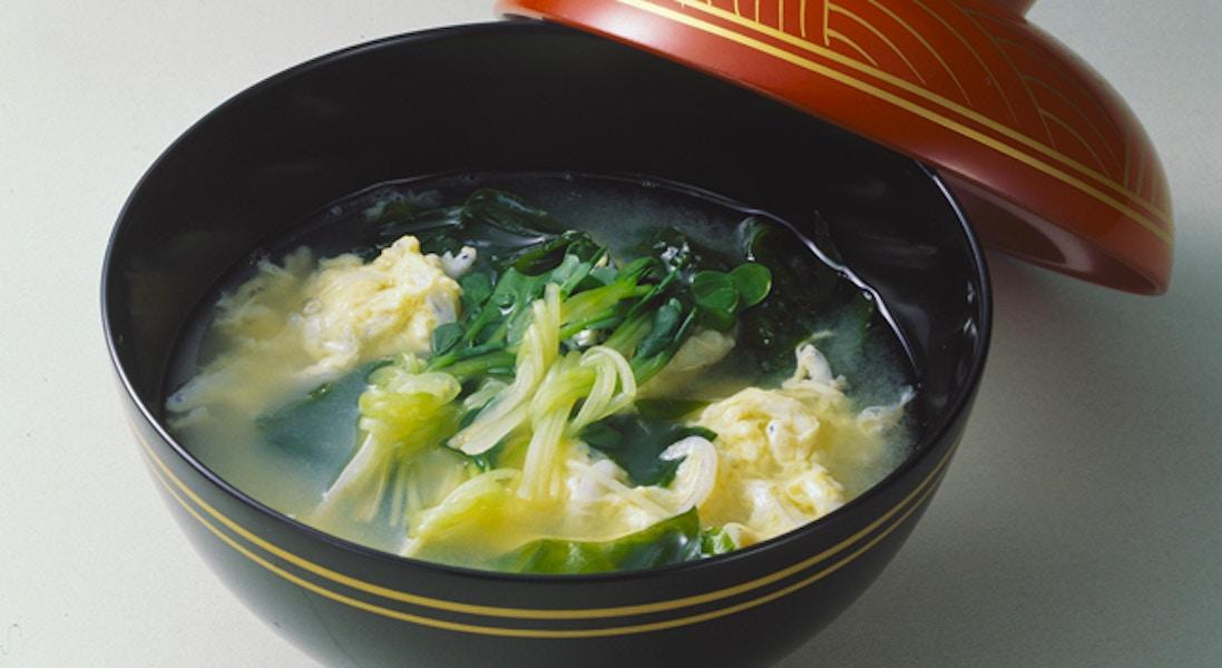 かいわれ菜と卵とじのお吸い物