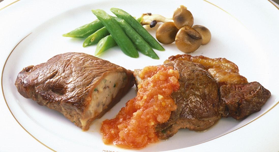 牛肉のファルシー・トマトソース