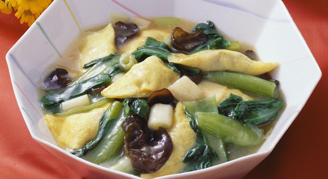 卵餃子とチンゲン菜の煮物