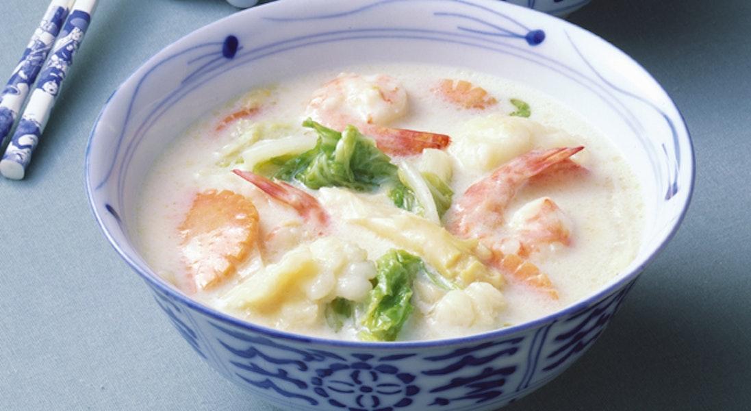 海の幸の中華風ホワイトスープ