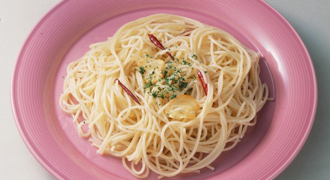 ペペロンチーノ(にんにくと唐辛子のスパゲッティ)