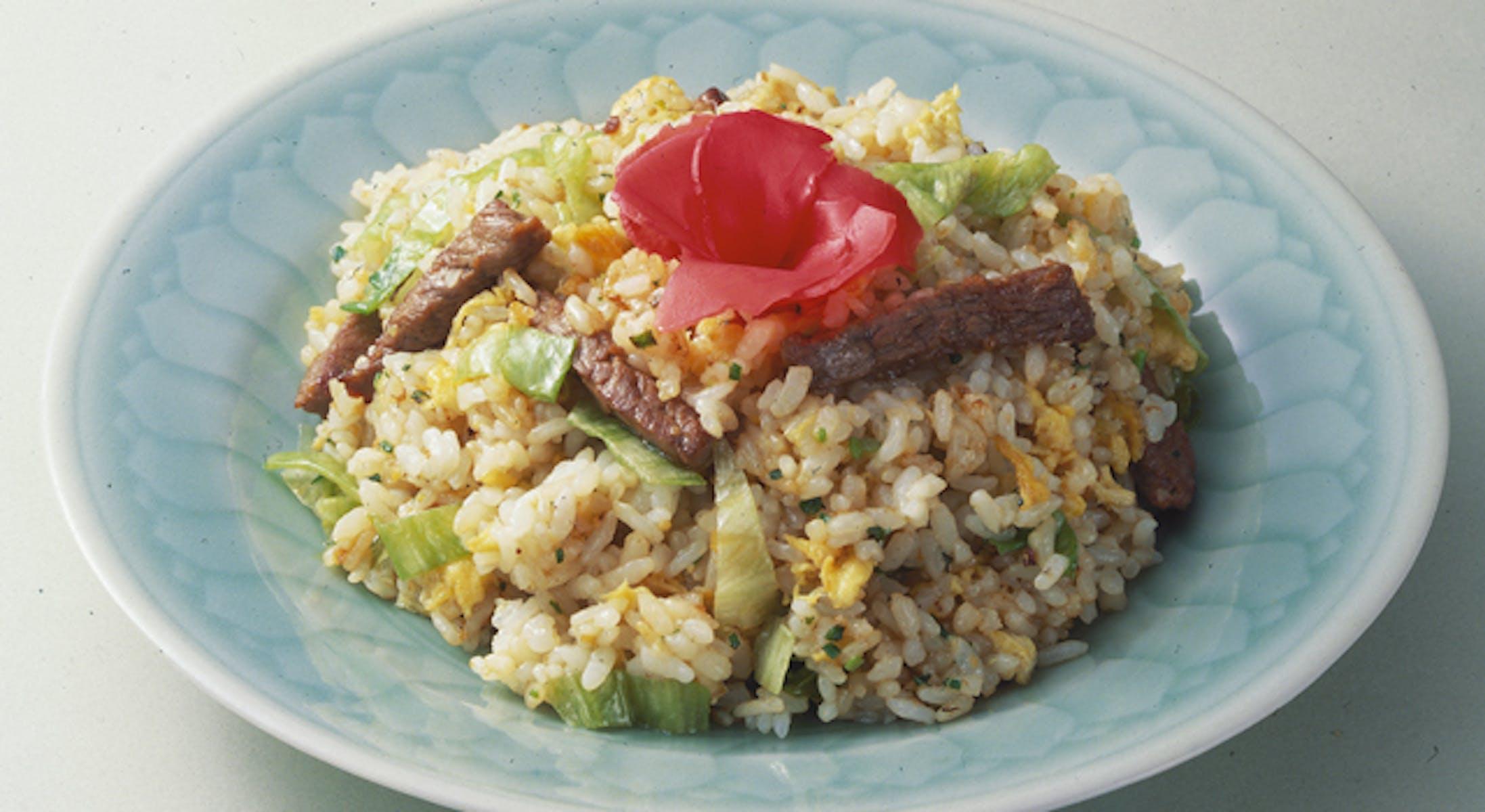 牛肉とレタスの炒飯