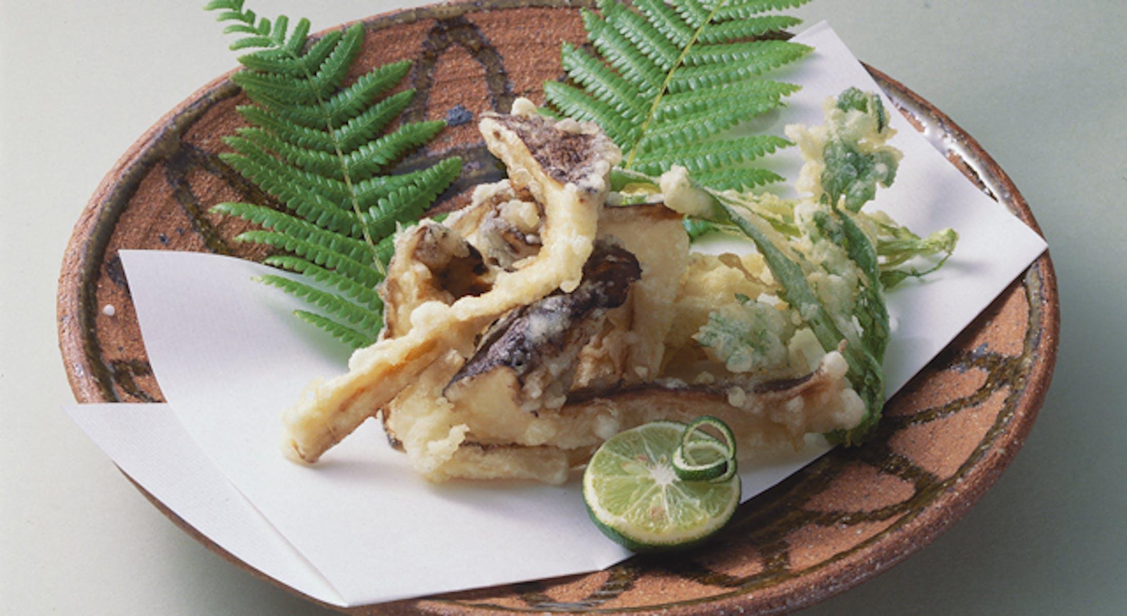 まつたけと菊菜の天ぷら