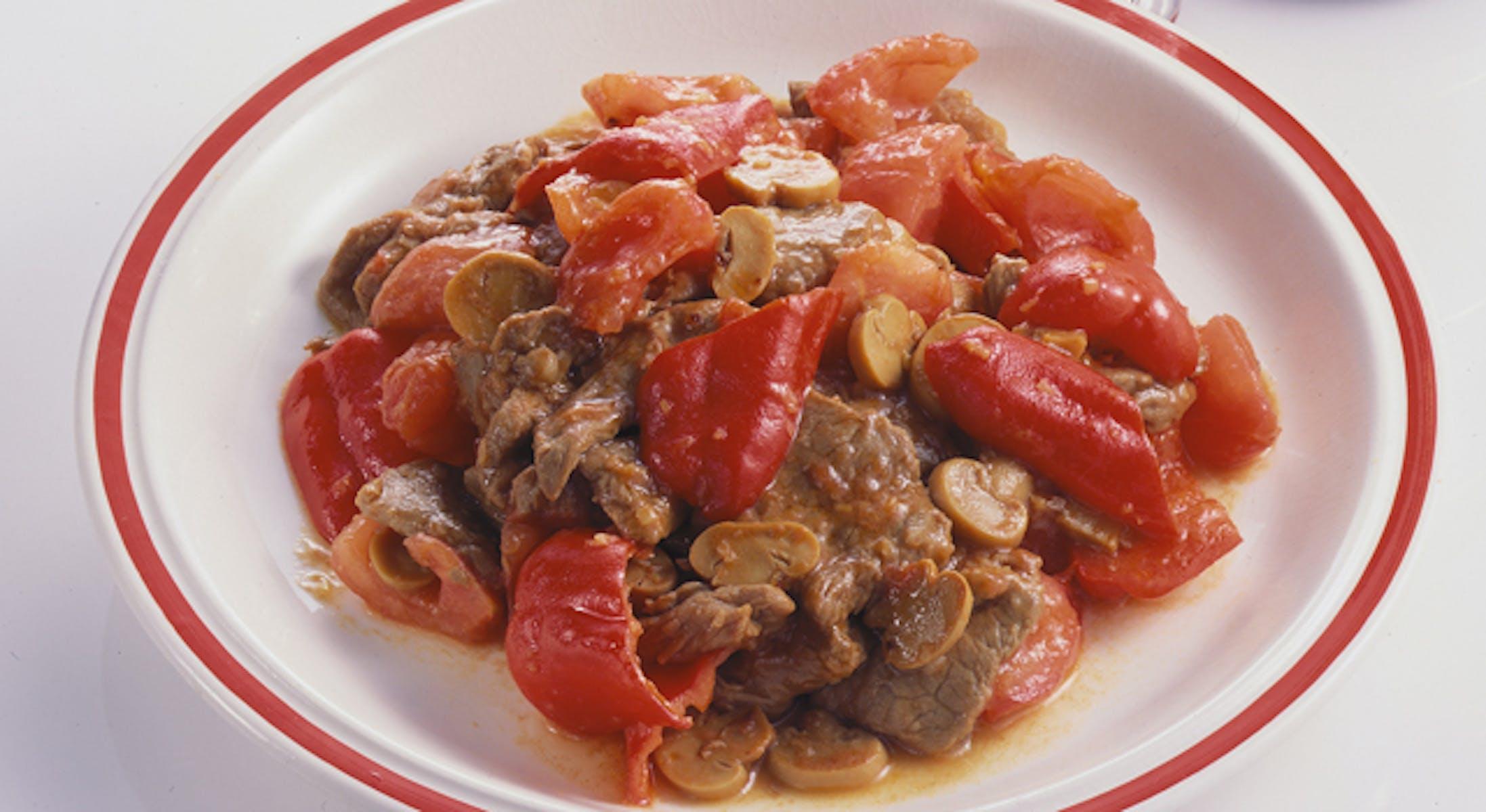 牛肉の辛味トマトソース炒め