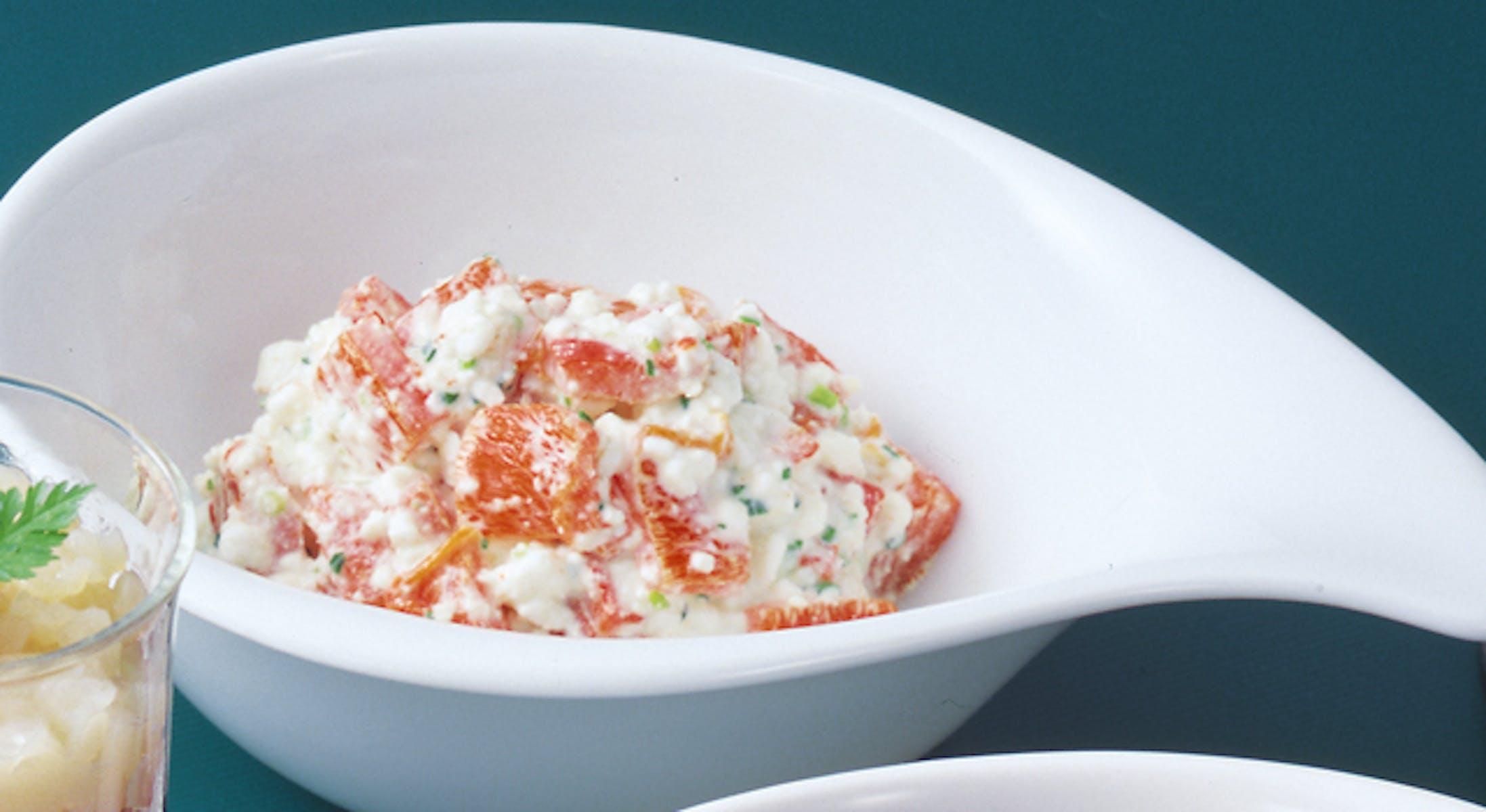 赤ピーマンとカッテージチーズのサラダ