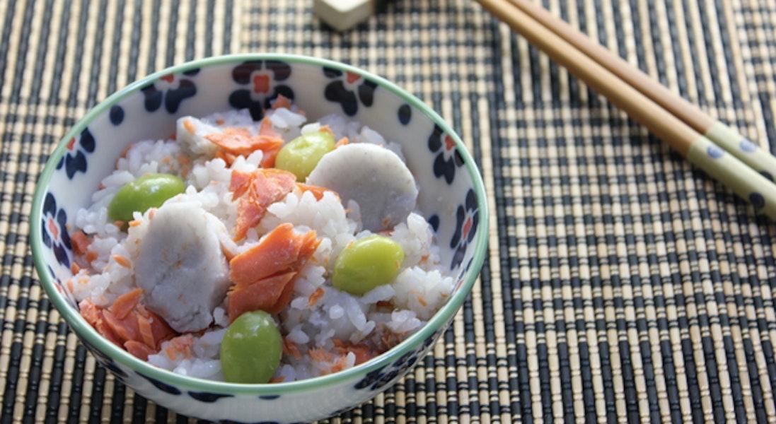 鮭と里いもの炊き込みご飯