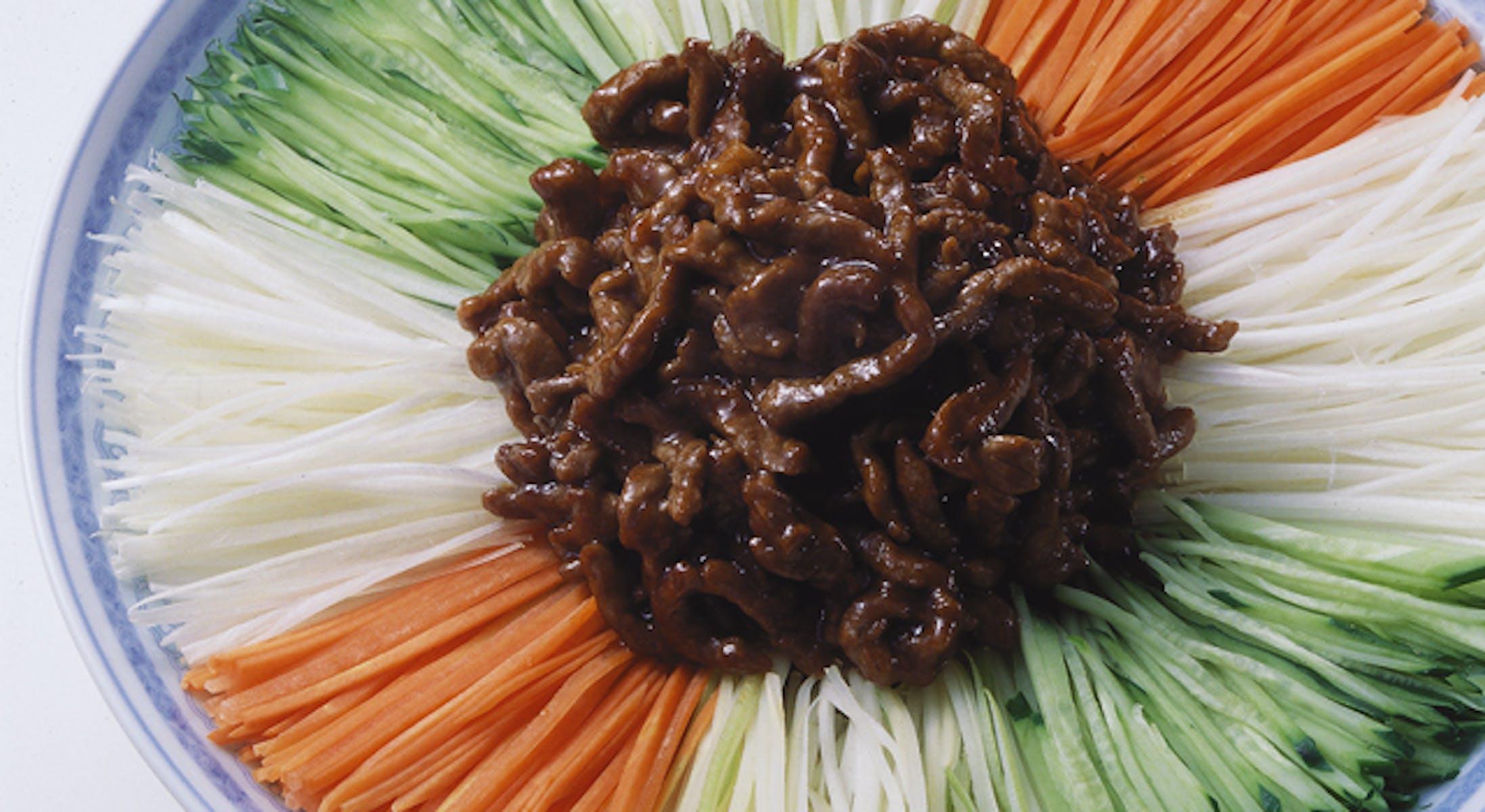 牛肉の甜麺醤風味・野菜添え