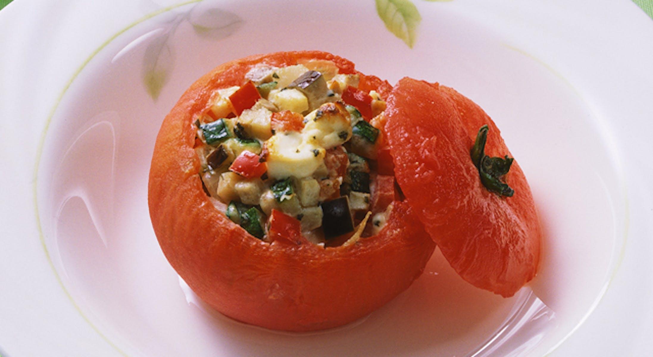 ズッキーニと赤ピーマンのトマトファルシー
