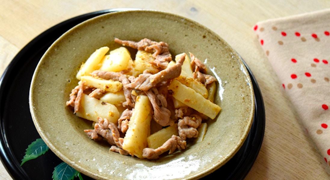 豚肉と長いものごま風味炒め
