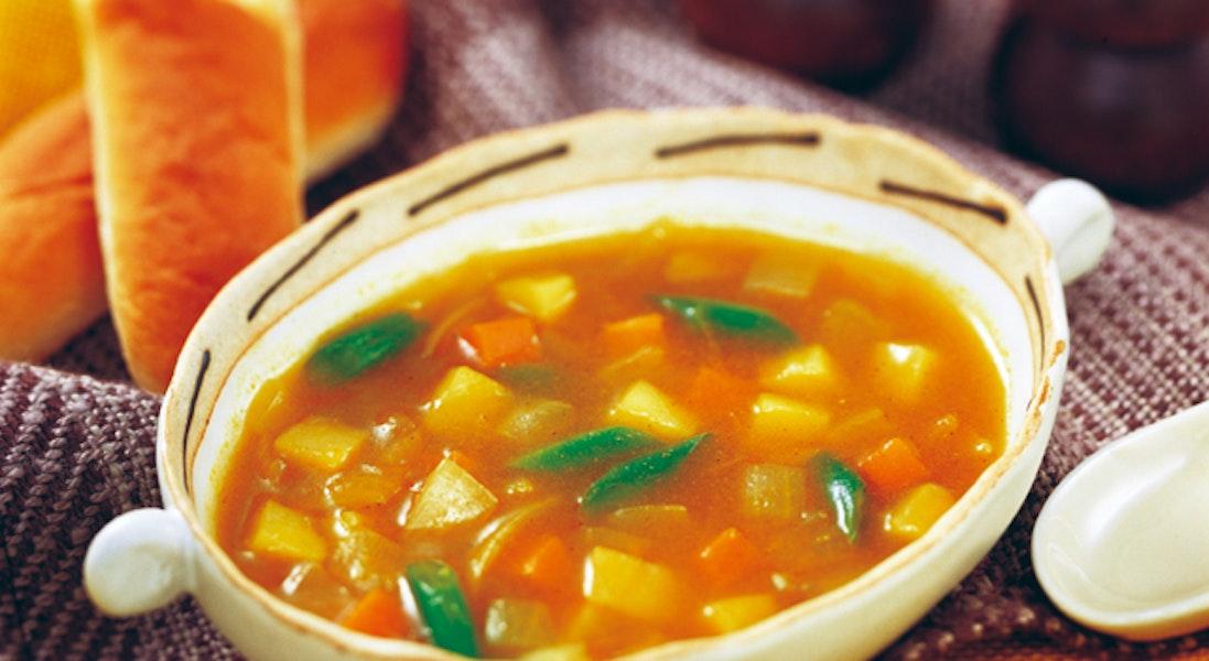 野菜たっぷりカレー風味スープ