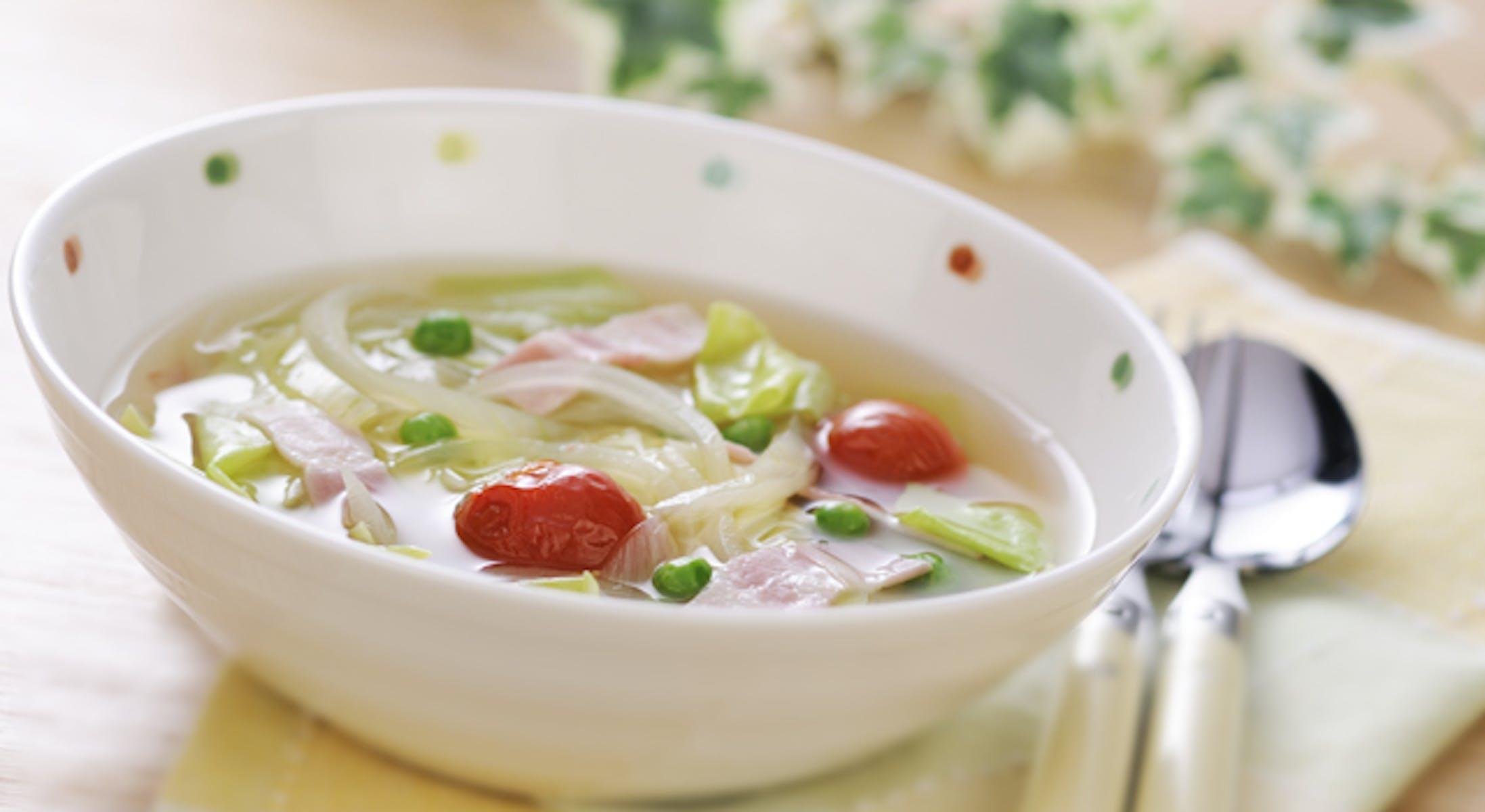 春キャベツとトマトのスープ