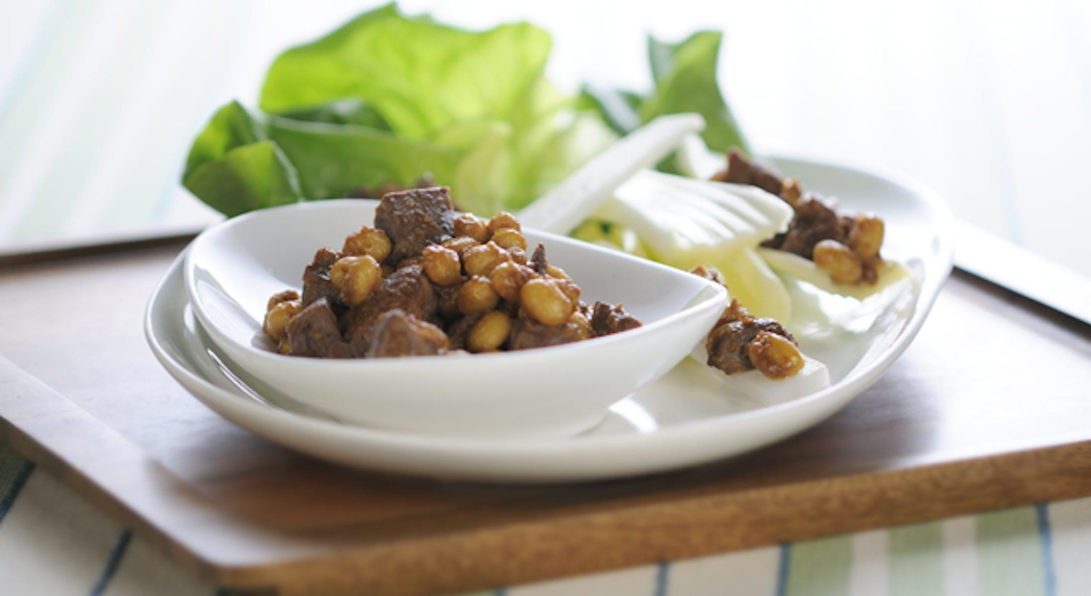 レバー豆みそ生野菜添え