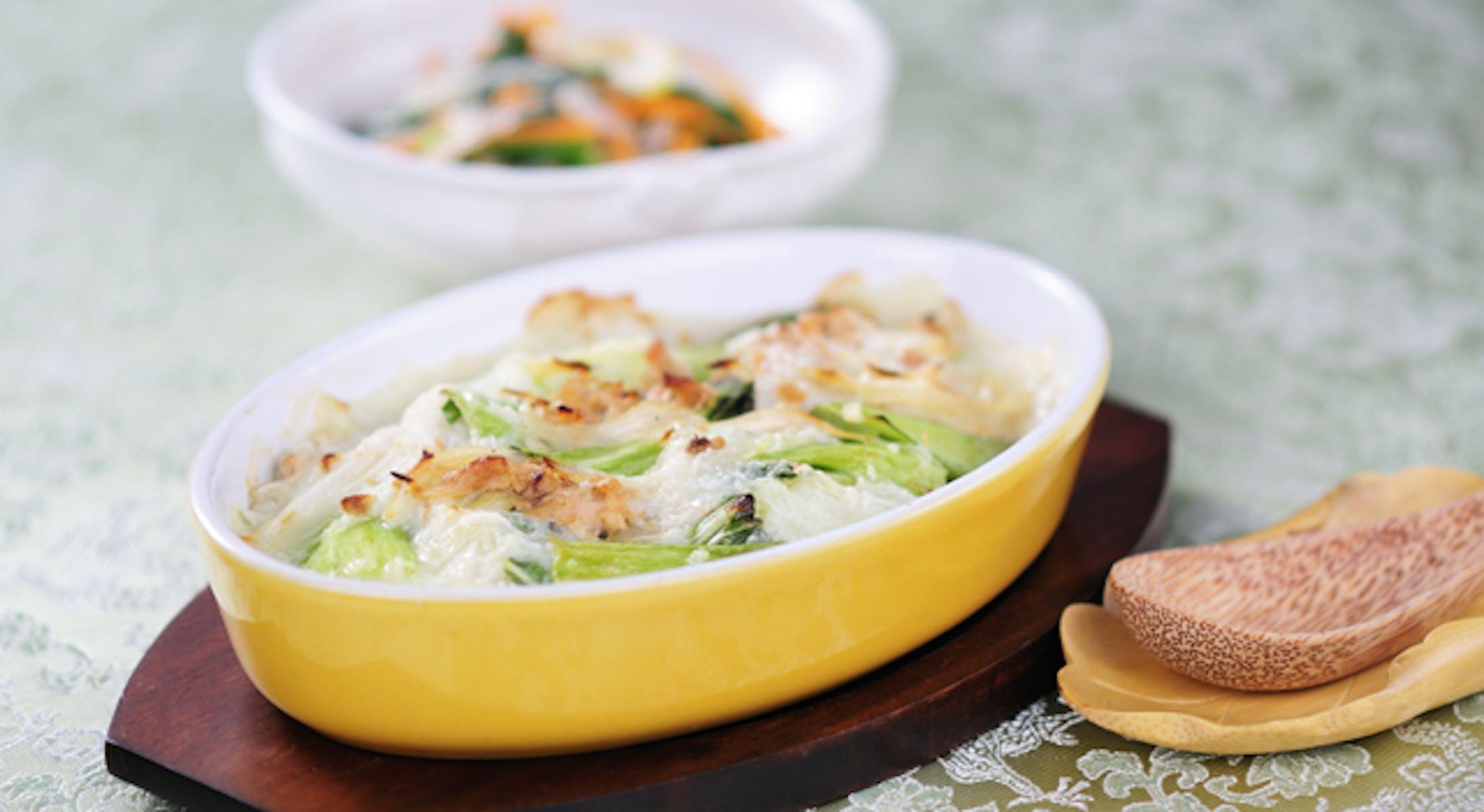 チンゲン菜の長いも豆乳グラタン