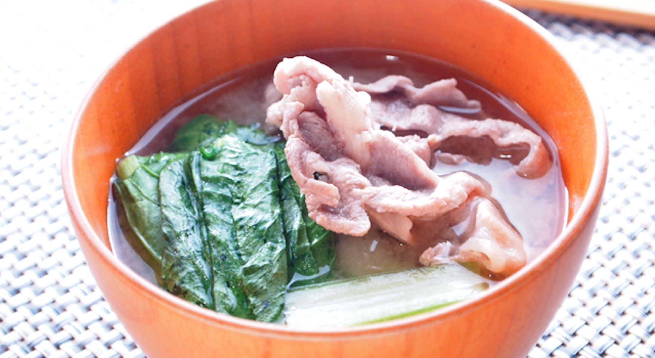 小松菜と豚肉のみそ汁