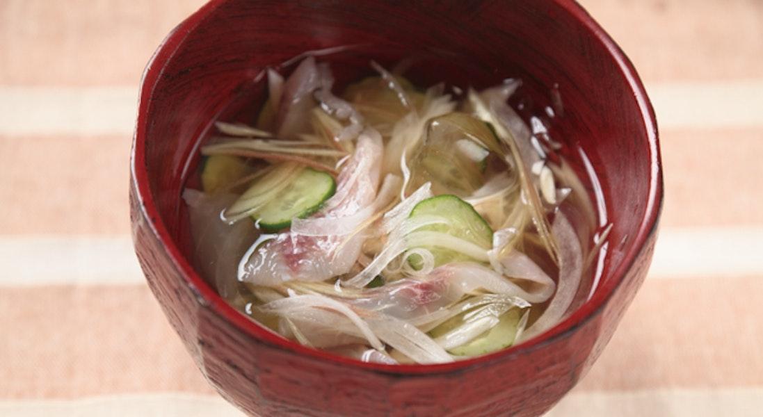 刺身と玉ねぎの氷汁