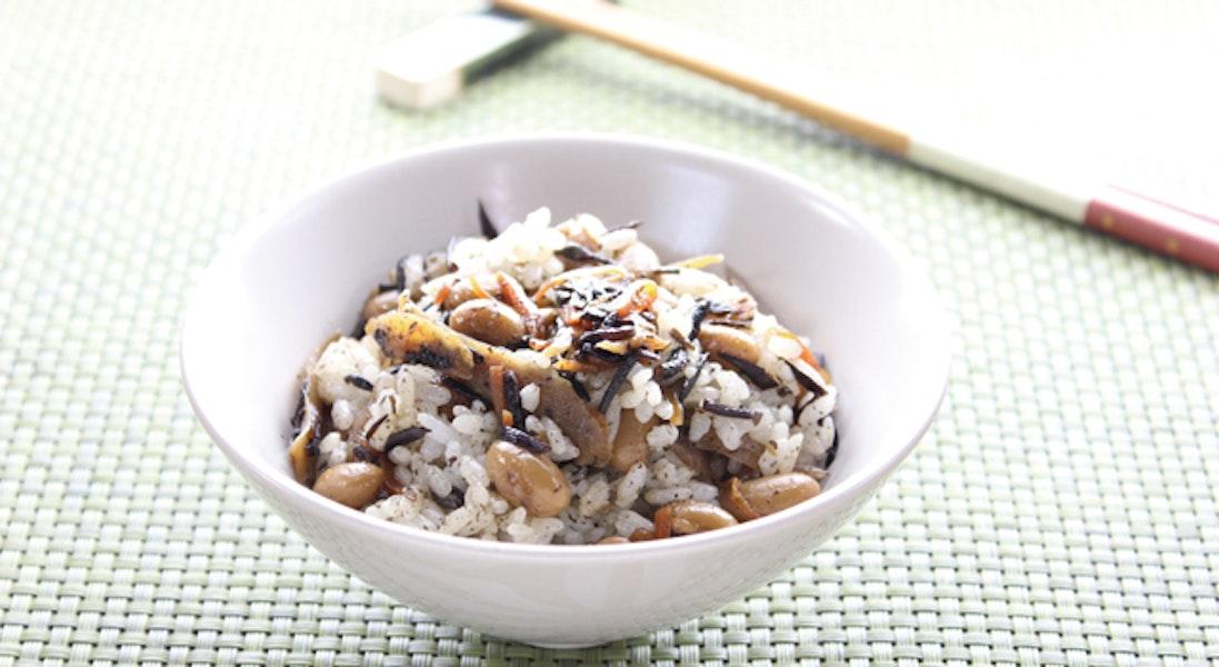 大豆とひじきの混ぜご飯