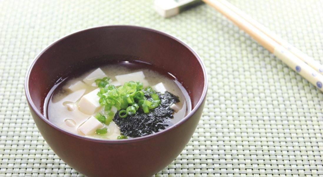 豆腐と焼きのりのみそ汁
