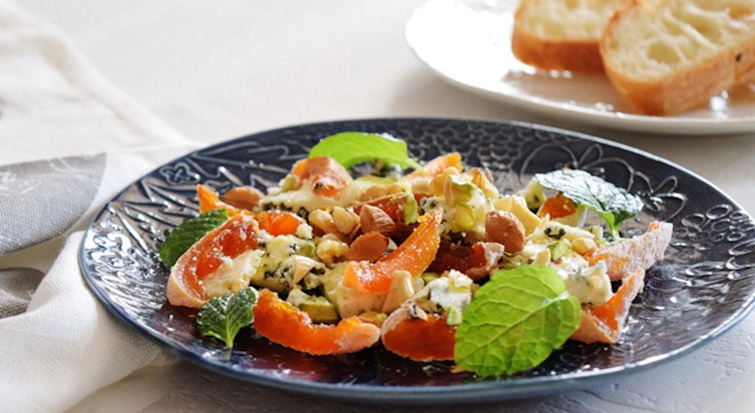 干し柿とブルーチーズのサラダ
