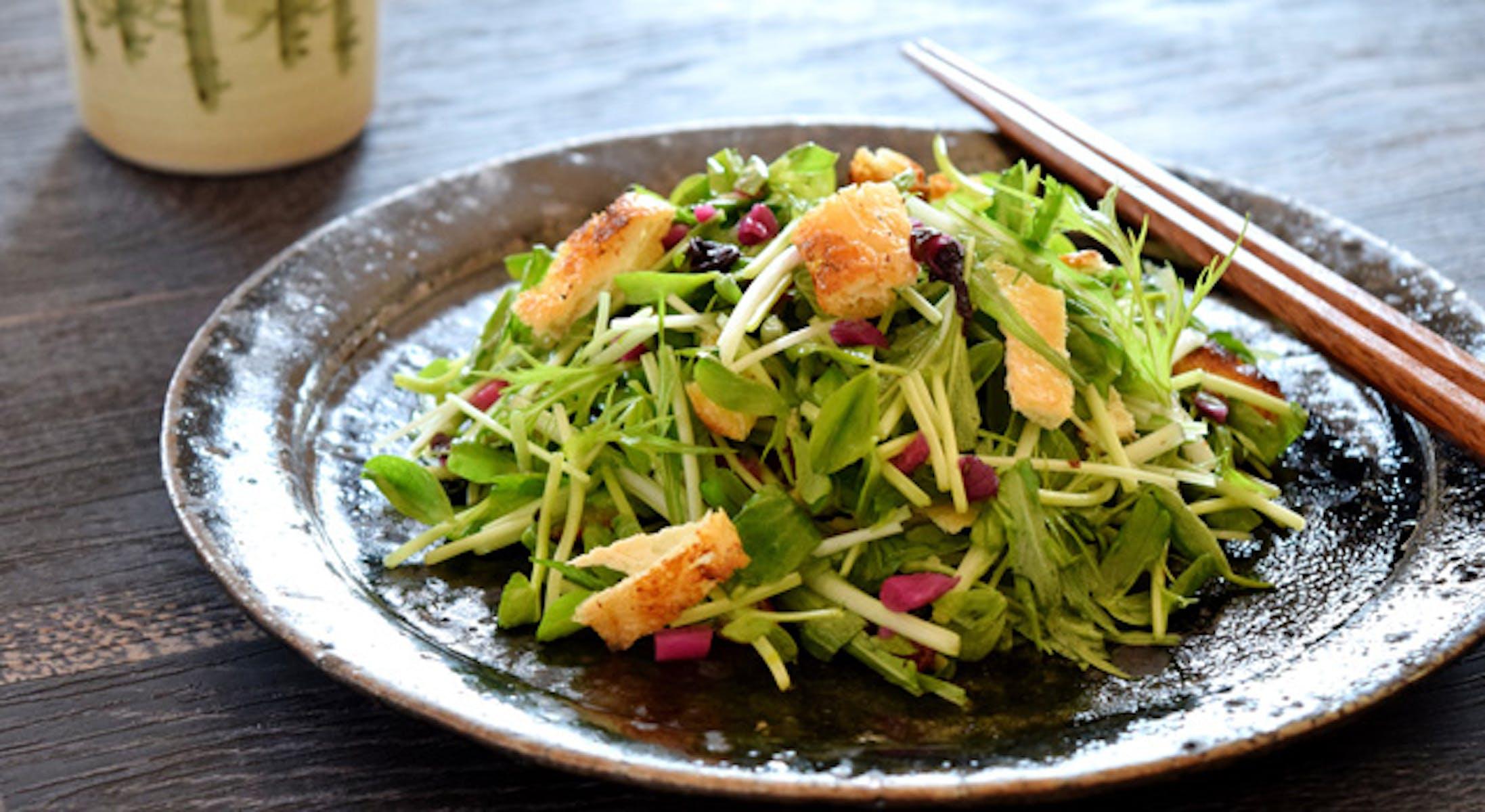 豆苗と水菜のしば漬けサラダ