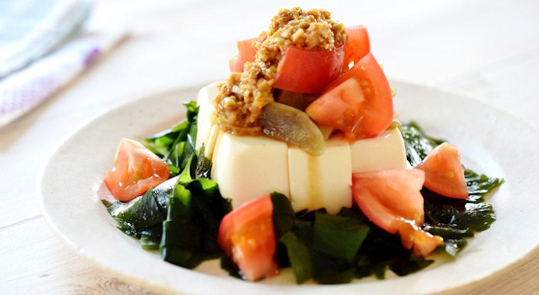 トマトとなすの豆腐サラダ 香味ごまソース