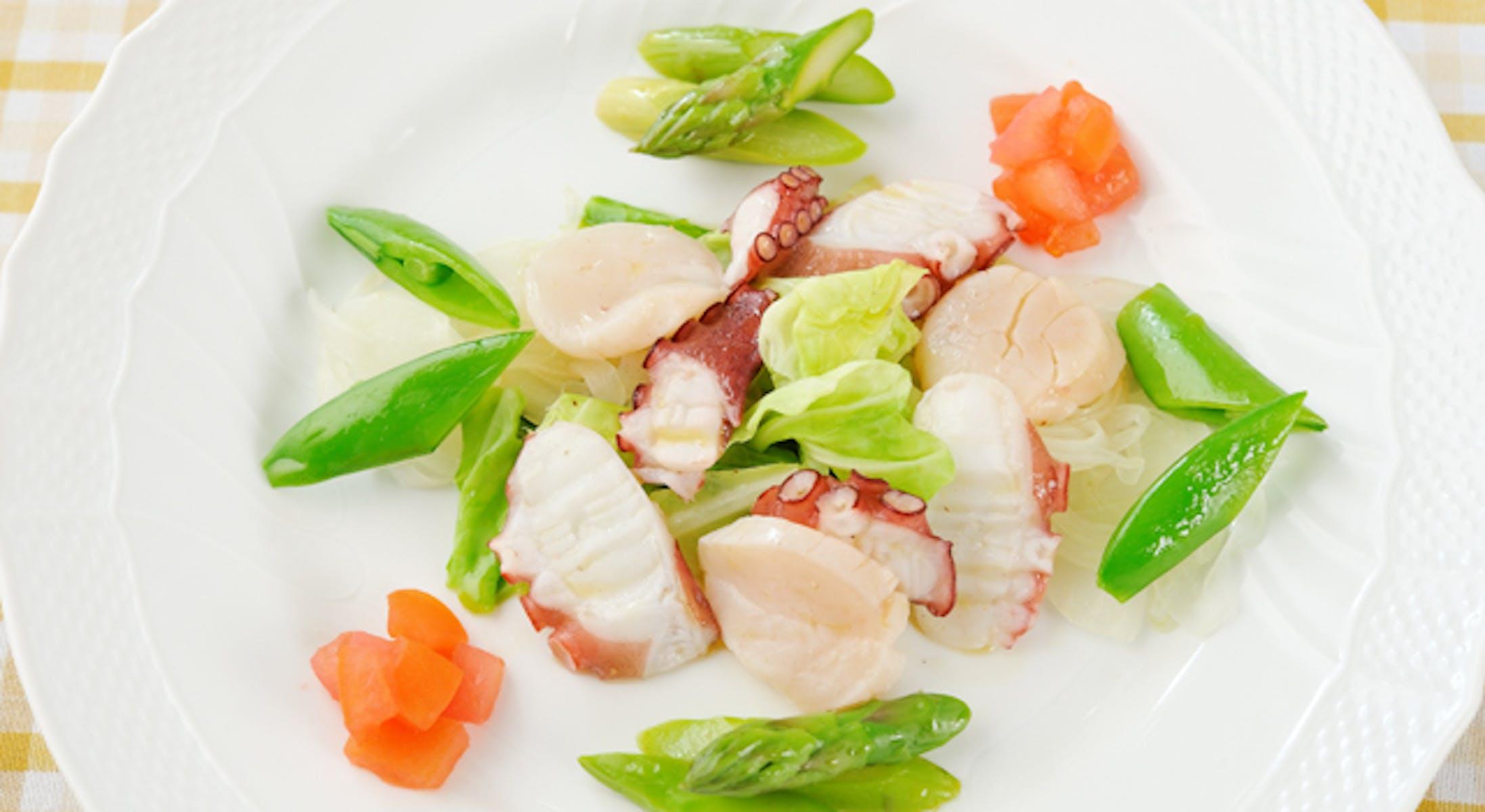 春野菜と海の幸のサラダ
